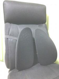 腰痛対策 ツインバックサポーター 椅子の装着