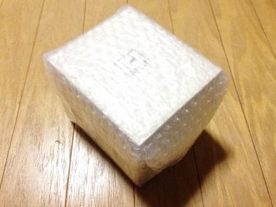 江戸硝子 富士山ロックグラス 取り出したところ