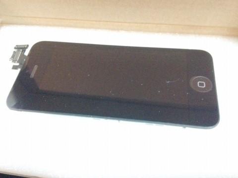自分で修理・交換用のiPhone5フロントパネルパーツの液晶パネル表側