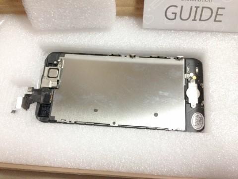 自分で修理・交換用のiPhone5フロントパネルパーツのフロントパネル