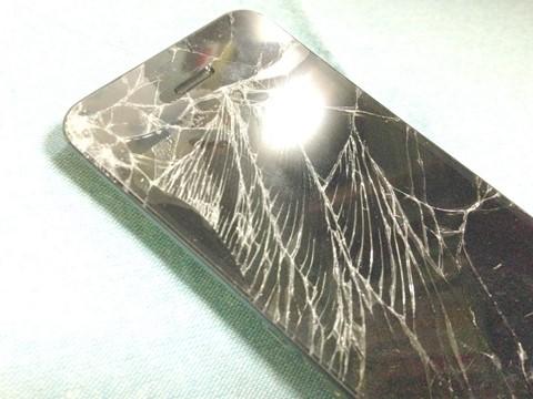 iphone5フロントパネル割れ