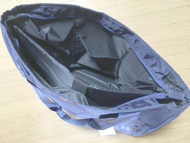 ヨネックス テニストートバッグの内部構造