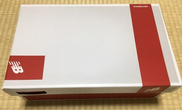 テニスシューズMC696WL3の箱