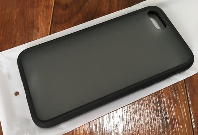 iPhoneSE2専用ケース背面側